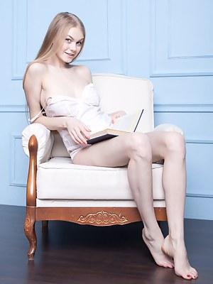 Nude Teen Legs Porn Pictures