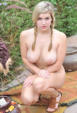 Nude Big Tits Teen Porn Pictures