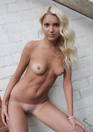 Nude Tanned Teen Porn Pictures